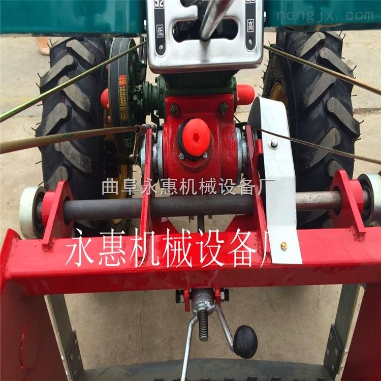 手扶齒輪傳動的土豆收獲機,加固型土豆挖掘機價格