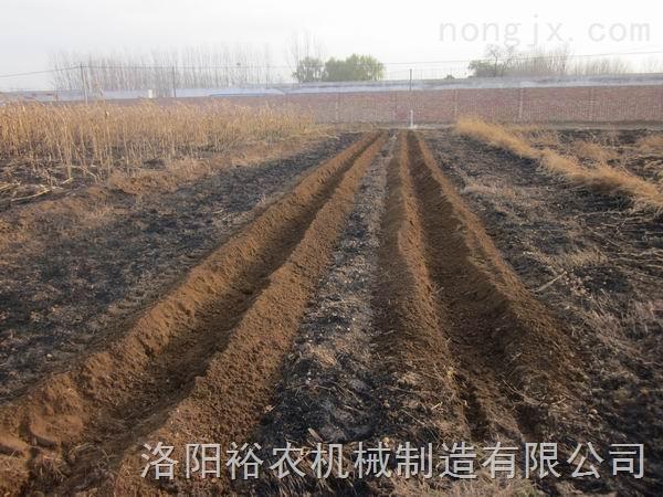 开沟施肥覆土机