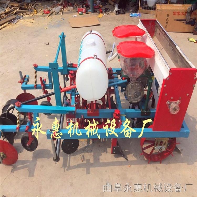 拖拉機帶動的花生玉米播種施肥機,除草打藥覆膜機哪里賣