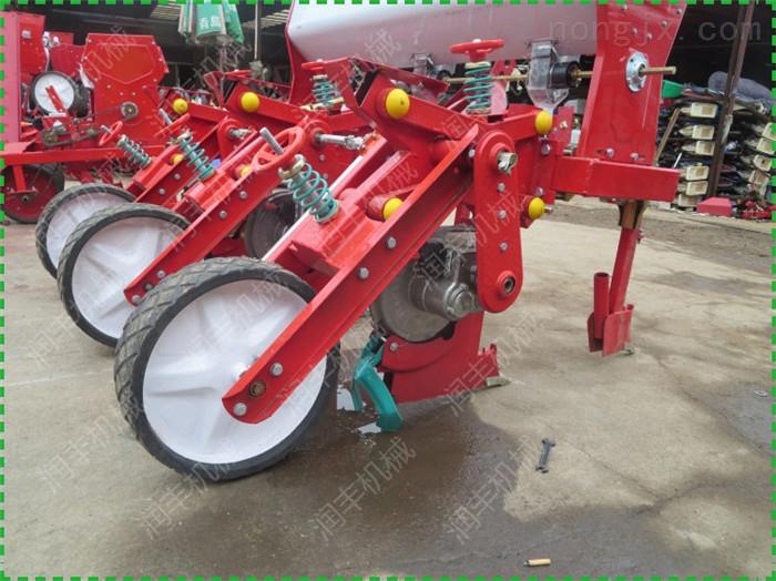 玉米多功能播种机 拖拉机带动玉米多功能播种机