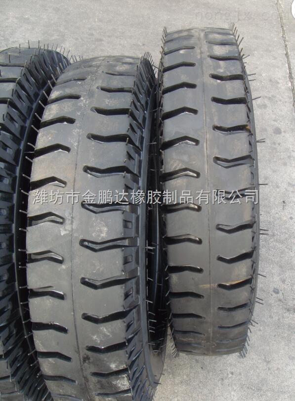 农业机械轮胎_厂家供应11.00-20水曲/羊角花纹轮胎 尊敬的顾客 ,首先欢迎你来了解我们的轮胎 ! 我们的轮胎也许不是最便宜的,但一定是性价比最高的! 你们知道吗,轮胎的好与坏和配方和含胶量是息息相关的, 这也就是为什么很多轮胎看起来很好,但是上路跑个二三天就各种毛病出来了! 掉胶脱坏,胎面裂纹,用不多久又要重新购买, 其实这样算下来钱并没省! 大家记住一句话一分价格一分货,轮胎不是小事,关乎着行车安全的, 因为专业所以信赖 ,有需要的可以随时跟我联系! 联系人:单先生 电话&微信:13953